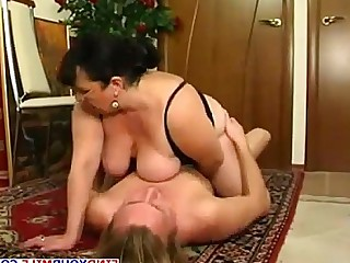 Amateur Cougar Housewife Mammy Mature MILF Wild Wife